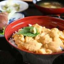 *ウニ丼は日帰りの方は2,600円(税込)※要予約、宿泊の方は2,000円(税込)で追加できます。