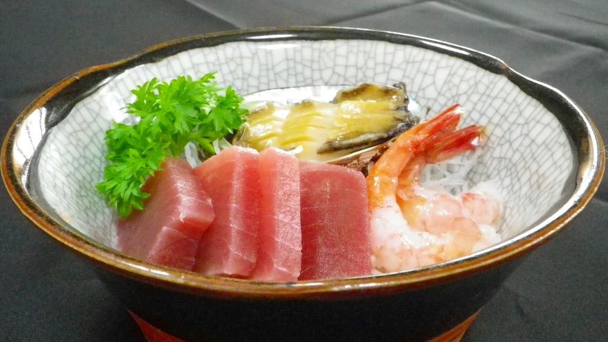 *【お刺身】新鮮な魚介類をお召し上がり下さい。