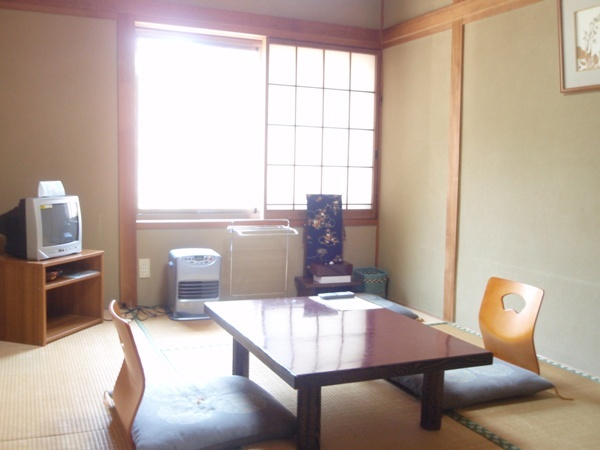 本館6畳和室