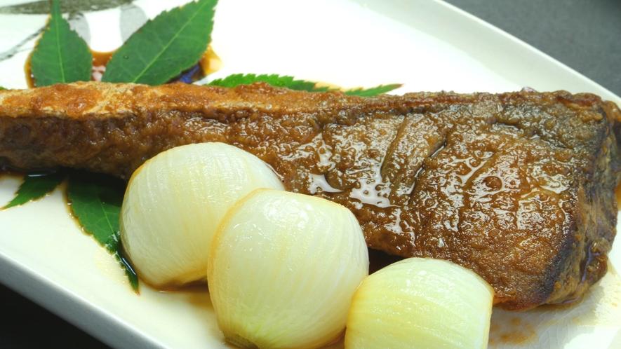 ギュッと味がしみ込んだ煮魚