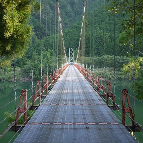 徒歩3分のところにある上瀞橋