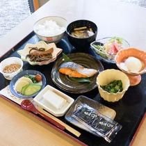 【朝食(一例)】ほっと和む和朝食をお召し上がりください。