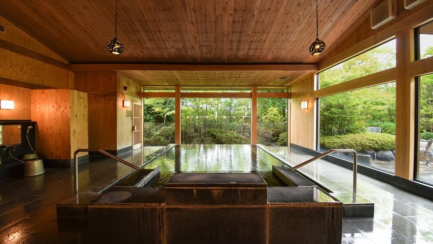 *大浴場・窓が大きく眺めゆったりの大浴場。