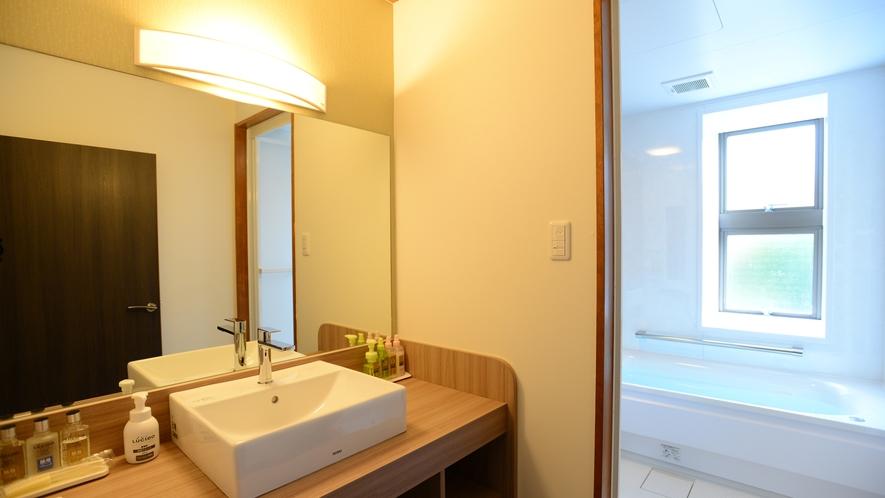 *【和洋室_例】2017年11月改装!ユニバーサルデザインの浴室