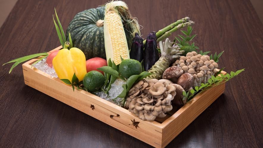 *獲れたのて新鮮な食材にこだわって調理されたお料理をお楽しみください。