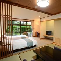 *【和洋室/5階_例】移りゆく四季を感じられる中庭に面したツインベッド+和室のお部屋