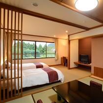 *【和洋室/6階_例】移りゆく四季を感じられる中庭を望むツインベッド+和室のお部屋