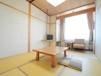 【和室】日当たりもよくすっきりとした和室でお寛ぎ下さい。