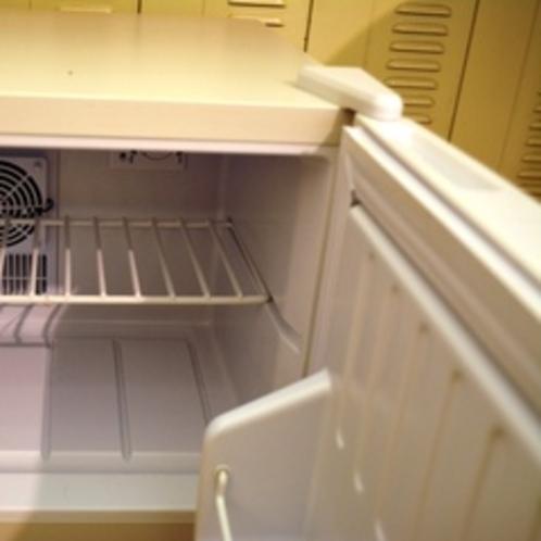 冷蔵庫も完備。お持ちになったお飲み物やお土産の保管にどうぞ♪