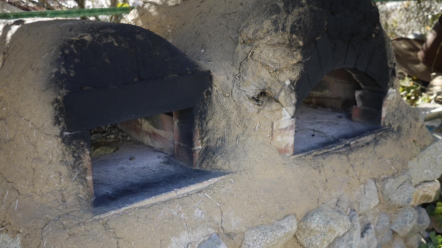 *【施設】丹精込めて作った作品は、こちらの焼き窯仕上げます。