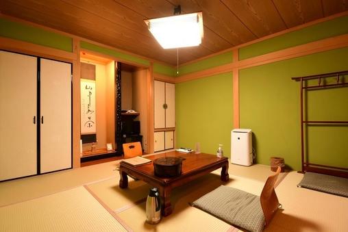 和室8畳■禁煙■(バス・トイレ付・眺望無)