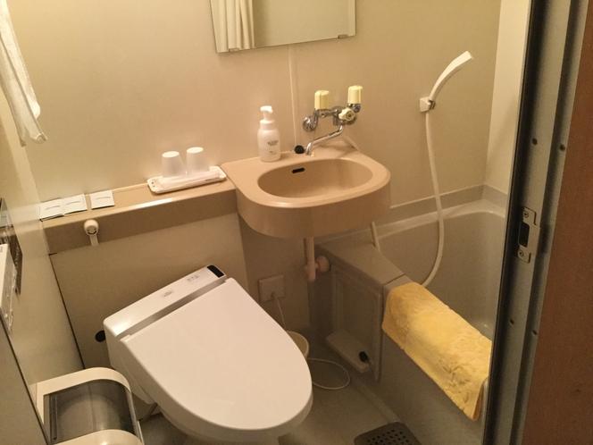 1階から3階客室バスルーム