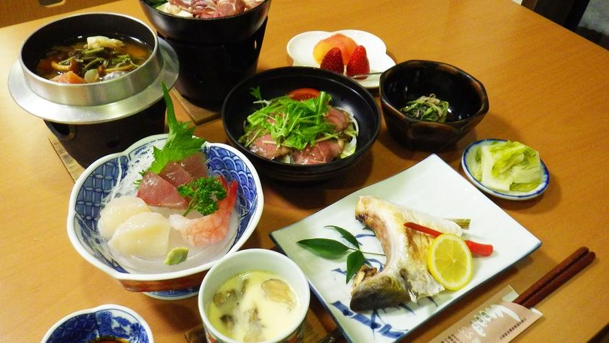 *スタンダード夕食一例/豊富な山の幸や名物鯉料理などこの地ならではの美味をお楽しみ下さい。