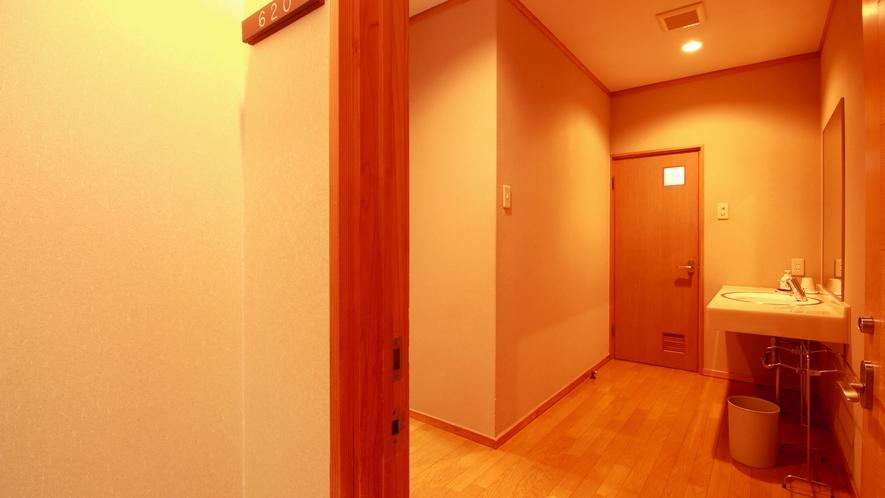 広めのトイレ付の御部屋