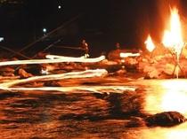 飛騨馬瀬川 夏の風物詩 〈火ぶり漁〉見物ディナープラン有