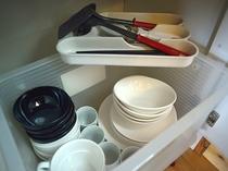 お皿やコップ、お箸類もご用意しております