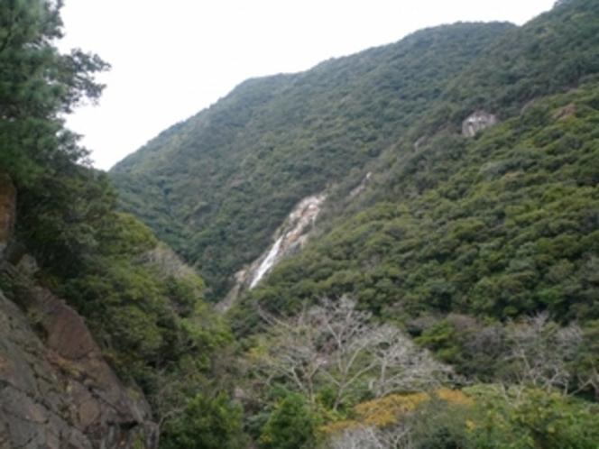 大川の滝遠望(大川橋の上より)