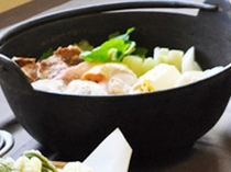 【ご夕食一例】鍋は2人前です。