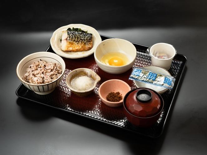 館内の「大戸屋」さんにて朝食をご用意しております。