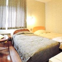 *【客室一例】寝起きが楽な♪洋室ツイン(BT付)※エキストラベッド1台追加で3名まで宿泊可