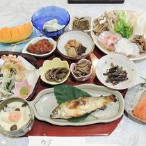 *【夕食/和食一例】郷土料理・きりたんぽ鍋をはじめとした『懐石風和食』
