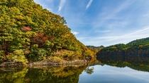 *【周辺観光】紅葉の太平湖