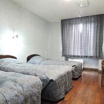 *【客室一例】ベッド3台のトリプルルーム(BT付)