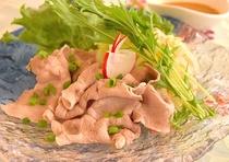旬彩tsu・ba・ki ふじのくにポークステーキの冷しゃぶ