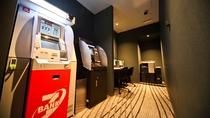 【ビジネスセンター】1F 24時間対応ATM、外貨両替、コイン式PC、コピー機、FAX完備
