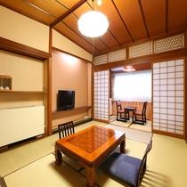 ☆ゆったりとした造りで落ち着いた佇まいの10帖+広縁付き和室
