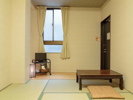 【禁煙】バス・トイレは共用の6畳和室【高速WiFi】
