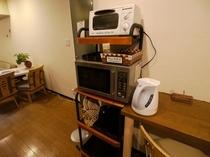 【キッチン家電】 共用でご自由にお使い頂ける家電(電子レンジ、冷蔵庫、トースター、炊飯器など)