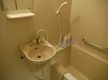 個室の浴室