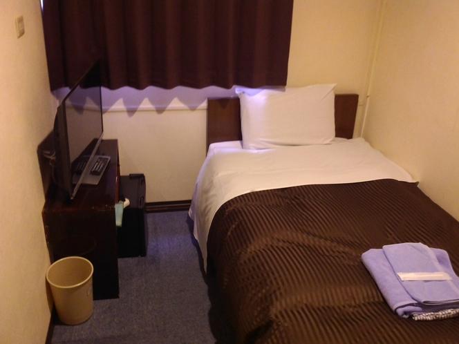 【アウトバスシングルB】お部屋に水回りが無くコンパクトなお部屋です。一人旅ツーリング釣り等の旅行に♪