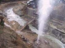 渋温泉の大噴泉