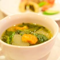 *[夕食一例]冬瓜とモロヘイヤと自家製ドライトマトのスープ