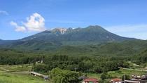 *[近隣風景/御嶽山(夏)]開田高原を代表する風景です。