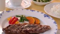 *食べ盛りの子供(小学校中上級生)向けのミニディナー。大人コースからオードブルと食後の飲み物を除く