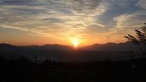 *[近隣風景]朝のお散歩コースから望む日の出です