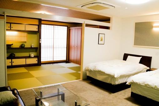 特別和洋室(禁煙)23平米の洋室と7.5畳の広いお部屋