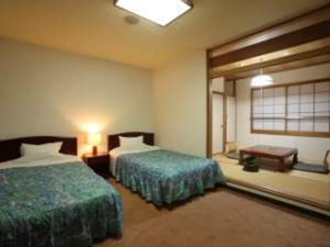 セミダブルが2つある、広めの和洋室