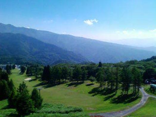 超絶景ゴルフと豪華A5飛騨牛陶板焼夕食付宿泊ゴルフパック1泊3食付(宿泊日の翌日プレー)