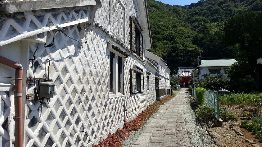 松崎町 なまこ壁通り