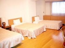 ファミリールーム(洋室)1