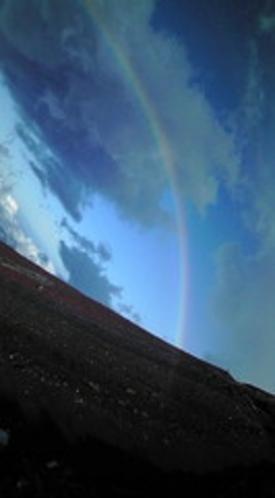 八合目の虹