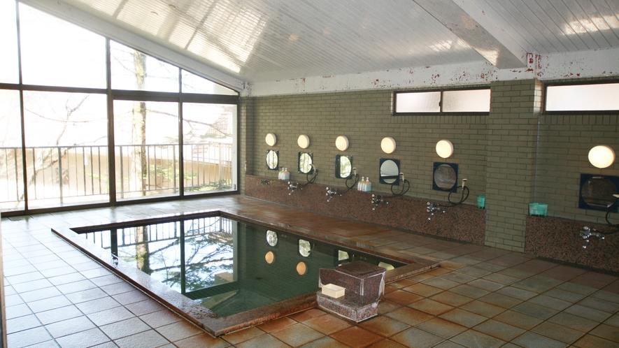 *発哺温泉より引湯した天然温泉をお楽しみ下さい。(※湯量が一定しないため温泉登録はしておりません)