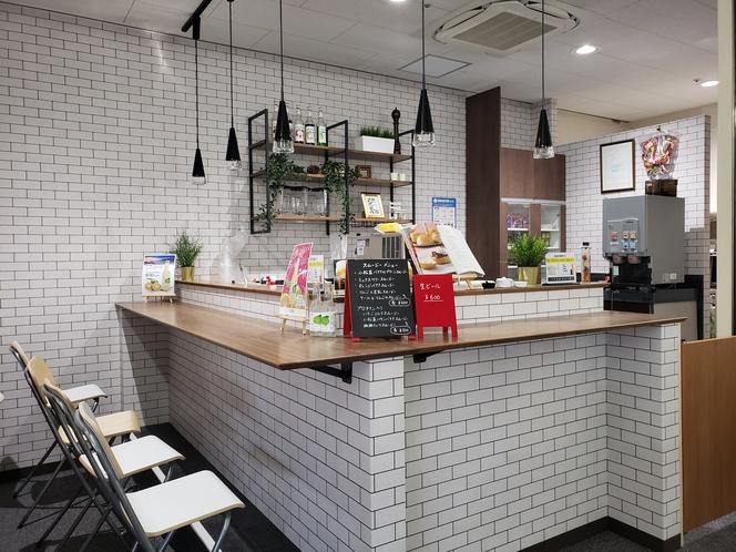 湯上りスムージー&カフェコーナー