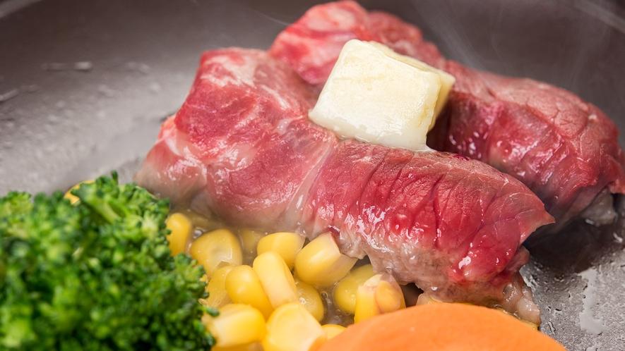 *【夕食一例:お肉】お好みの焼き加減でお召し上がり下さい。