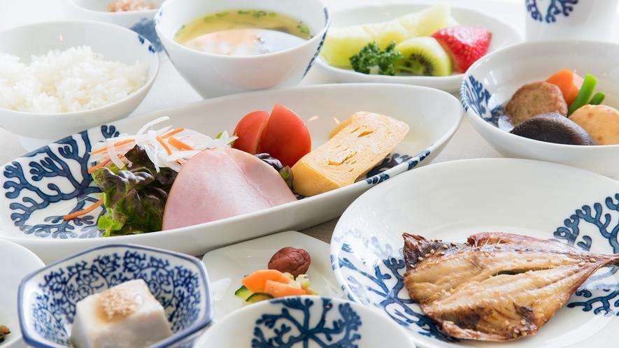 *【朝食一例】ウォーキング参加者は、和食・洋食・おかゆ定食の3種からお選びいただけます。