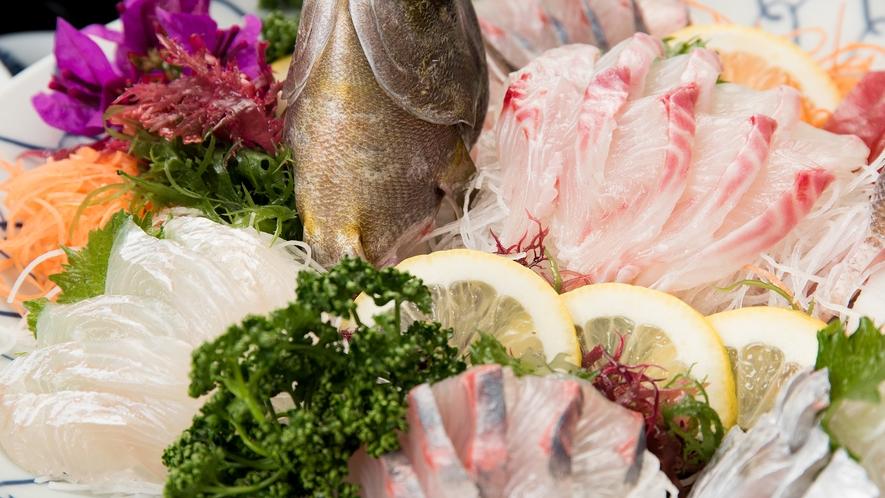 *【夕食一例:お造り】新鮮な天草の海の幸を召し上がれ♪